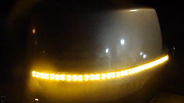 ЛЕД лента SMD 5050 включена в поворотниках