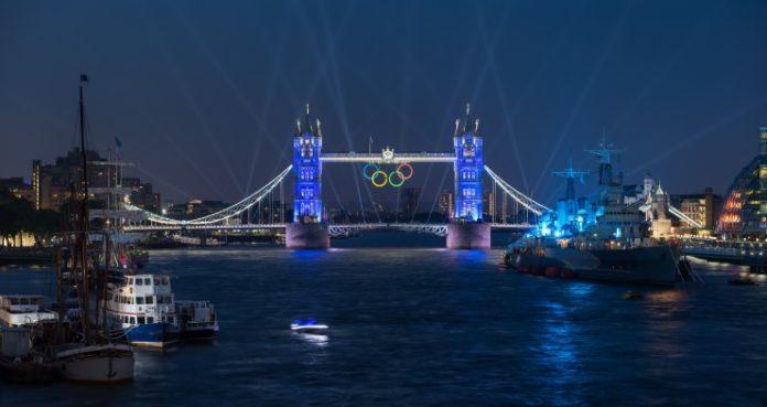 Тауэрский один из лондонских мостов