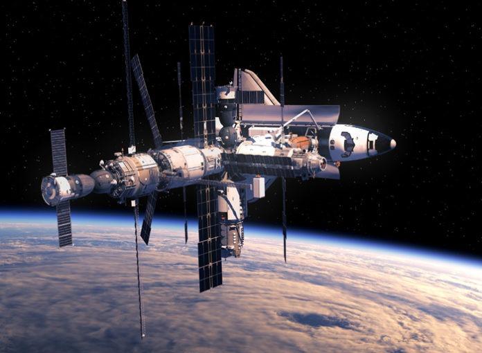 Космический шаттл и Космическая станция