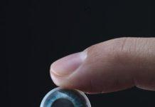Mojo Vision Разработка интеллектуальных контактных линз с микро светодиодом