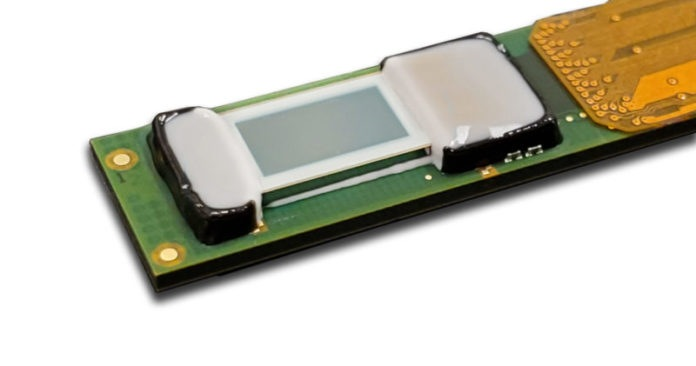"""<pre>Compound Photonics и Plessey Light Up 0.26 """"Полностью адресуемый встроенный микро светодиодный дисплейный модуль для AR / MR"""