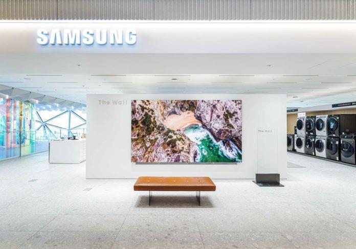 Samsung создает зону опыта «Стена» в универмаге Южной Кореи