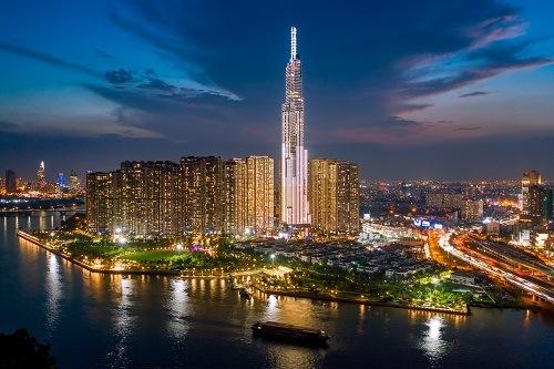 Самый высокий небоскреб в Юго-Восточной Азии, освещенный Осрамом
