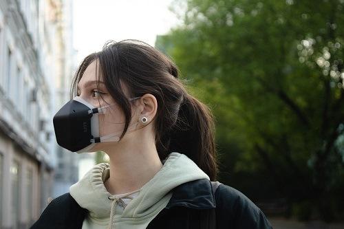 Дезинфицирующая маска для лица UVC со светодиодной подсветкой привлекла 1 миллион долларов на платформе Crowdfunding