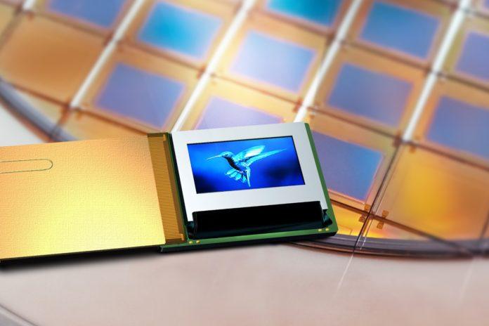 Compound Photonics представляет IntelliPix с поддержкой микро светодиодного дисплея для приложений AR
