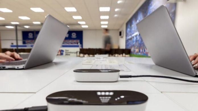 Отчеты о футбольных матчах из первых рук при поддержке компании Signify Trulif LiFi Connection