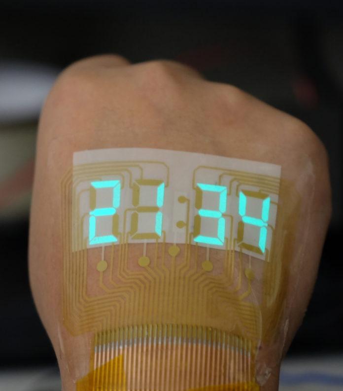 <pre>Эластичное светоизлучающее устройство превращает кожу человека в дисплеи