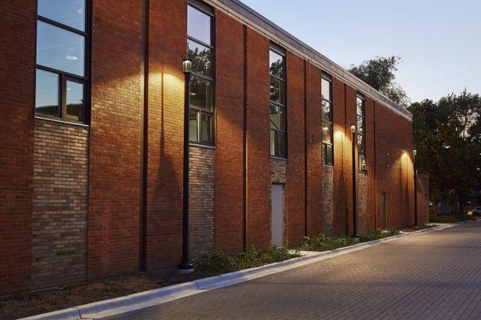 <pre>Luminis освещает историческую жилую архитектуру Чикаго