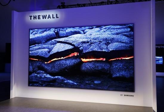 <pre>Микро светодиодные дисплеи Samsung и Sony получили награду «Лучший дисплей года SID»