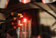 Plessey достигает собственных красных светодиодов InGaN на кремнии для полноцветных микро светодиодных дисплеев