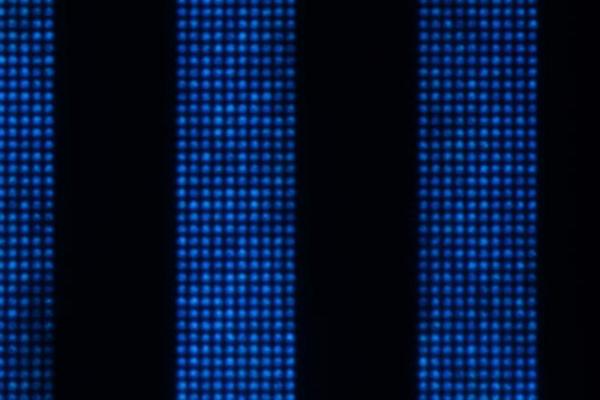 <pre>Plessey производит микро светодиодный дисплей с шагом 2,5 микрона
