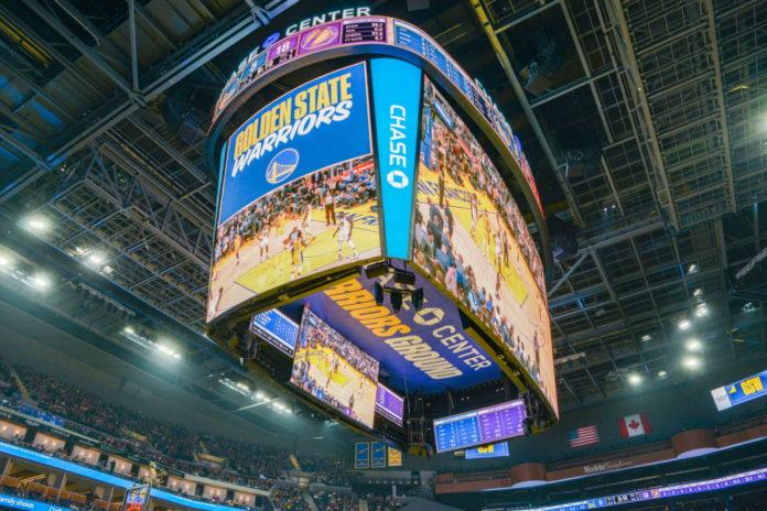 <pre>Светодиодный дисплей Samsung стал крупнейшим табло NBA Centerhung в Чейз-центре игр воинов Голден Стэйт