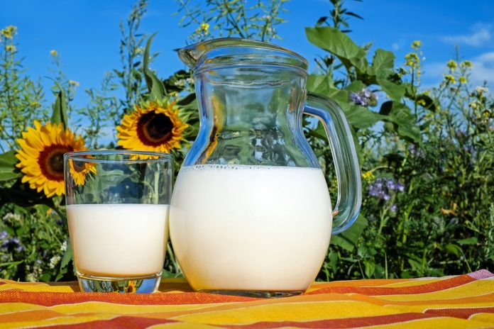 <pre>В докладе говорится, что воздействие светодиодного освещения снижает потребление молока