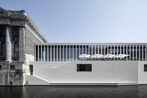 <pre>Zumtobel освещает новое здание входа на Музейном острове Берлина